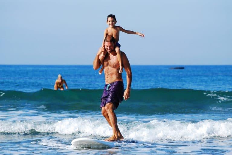 Surf en famille à la plage de la Lette-blanche